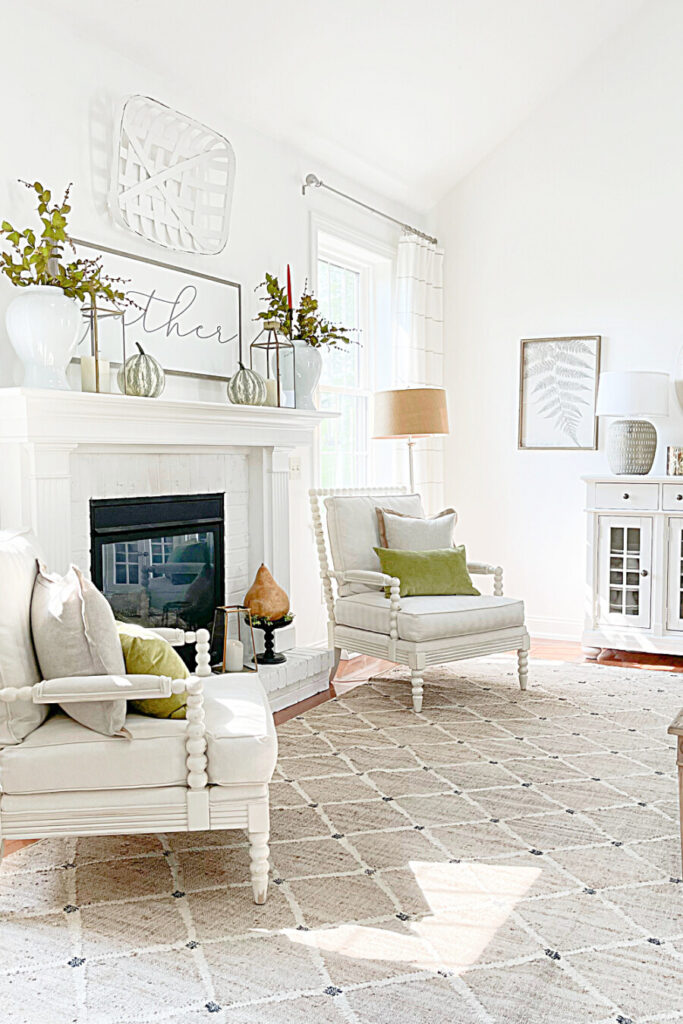 FALL DECORATING IDEAS IN THE LIVING ROOM