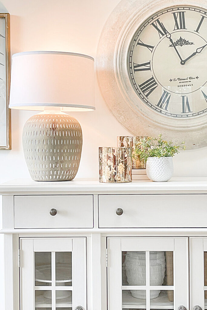 WHITE BUFFET WITH LAMP