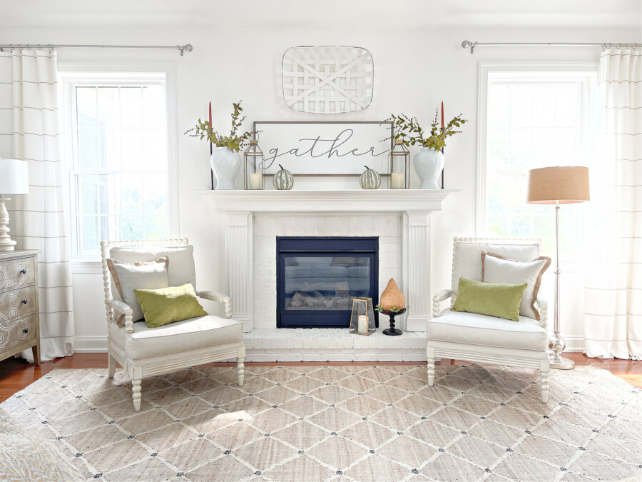 EASY FALL DECORATING IN THE LIVING ROOM